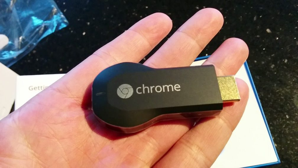 chromecast-inhand